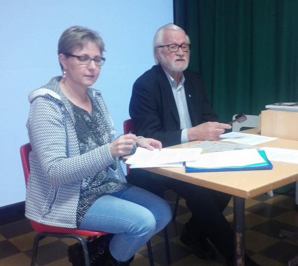 Syyskokouksen sihteeri Elina Lyijynen ja pj Pertti Jurvanen.jpg